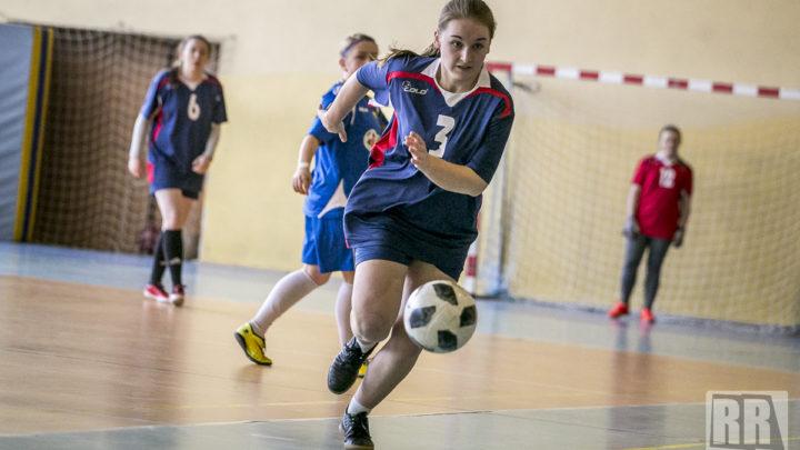 Turniej halowej piłki nożnej dziewcząt