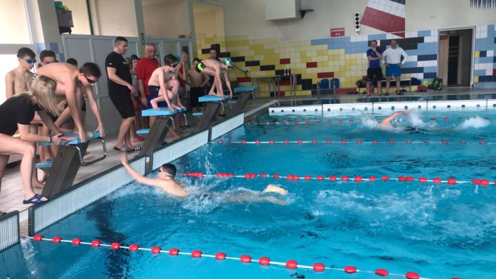 Pływanie drużynowe dziewcząt i chłopców -Igrzyska młodzieży Szkolnej